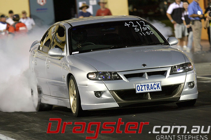 Sydney Dragway Commodore